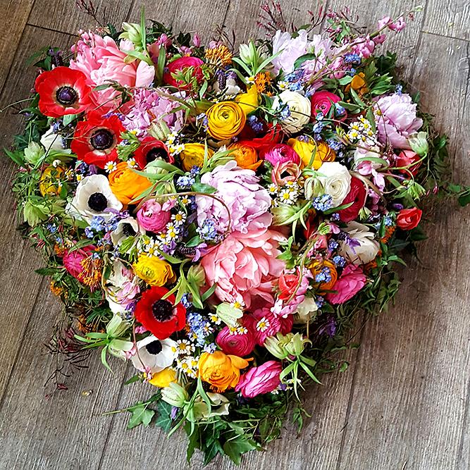 Das kleine Grüne - Blumenladen Hamburg - Blumenladen Eimsbüttel - Trauerfloristik - Blumen Trauer - Trauerkranz - Sargdekoration - Urnendekoration - Trauergesteck